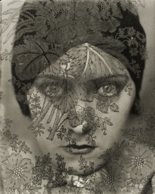Gloria Swanson, by Edward Steichen, 1924